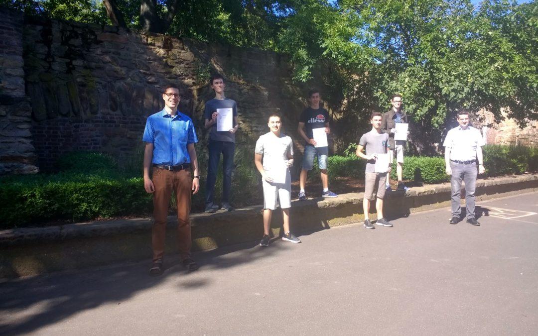 MathePlus-Schüler bestehen Zertifikatsklausur der RWTH Aachen
