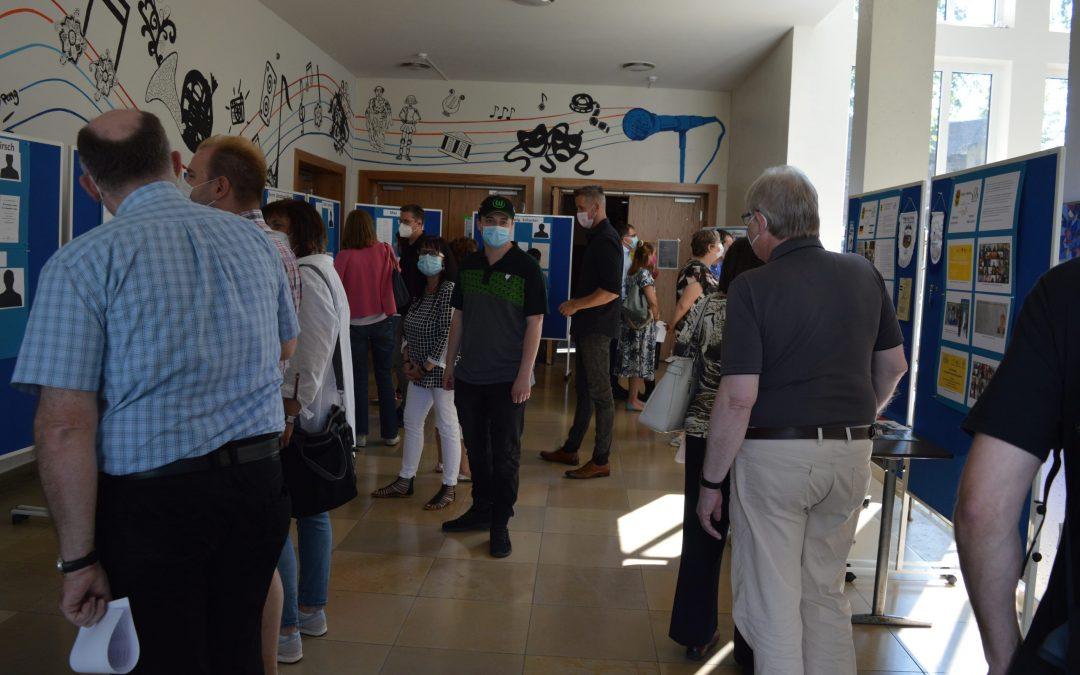 Eine beeindruckende Ausstellung: Jüdische Schülerinnen und Schüler am Stiftischen Gymnasium Düren