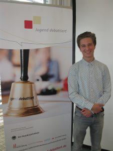 Elias Weitz debattierte auf Landesebene in Oberhausen